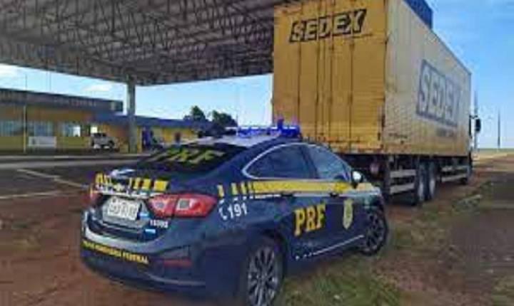 Contrabando milionário é encontrado em caminhão dos Correios
