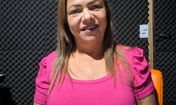 Entrevista com a Diretora da Escola Dona Amélia Garcia Cunha; Marlene Azeredo.