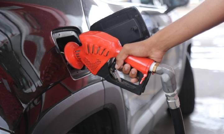 Petrobras reajusta o preço da gasolina e do diesel nas refinarias nesta terça