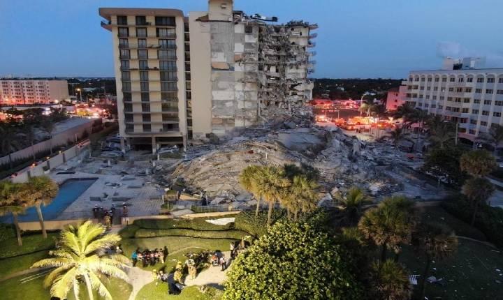 Prédio desmorona parcialmente em Miami Beach