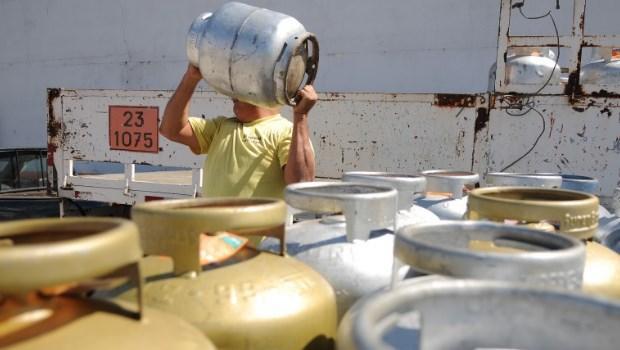 Preço do gás de cozinha sofre novo reajuste e sobe pela quarta vez no ano